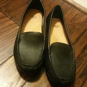 UGG Shoes - UGG - Black Leather Loafers